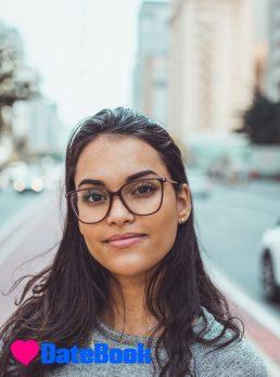 Rowena, 22 years old, Sydney, Australia